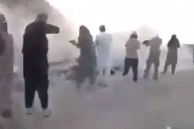 IS hành quyết dã man 200 trẻ em - ảnh 1