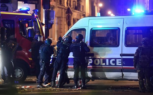 Pháp tăng quân cho thủ đô Paris, đóng cửa toàn bộ biên giới - ảnh 1