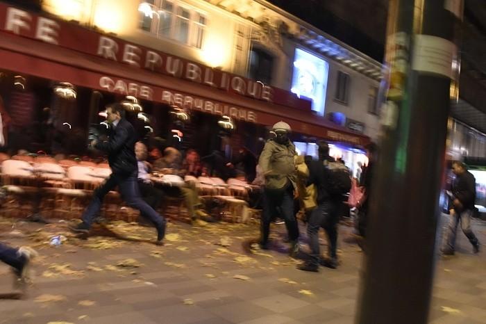 Bão táp khủng bố ở Pháp: ' Gần 160 người chết, đóng cửa Paris!' - ảnh 5