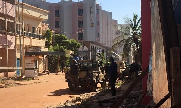 Khủng bố khách sạn Mali: Chi nhánh al-Qaeda nhận trách nhiệm - ảnh 12