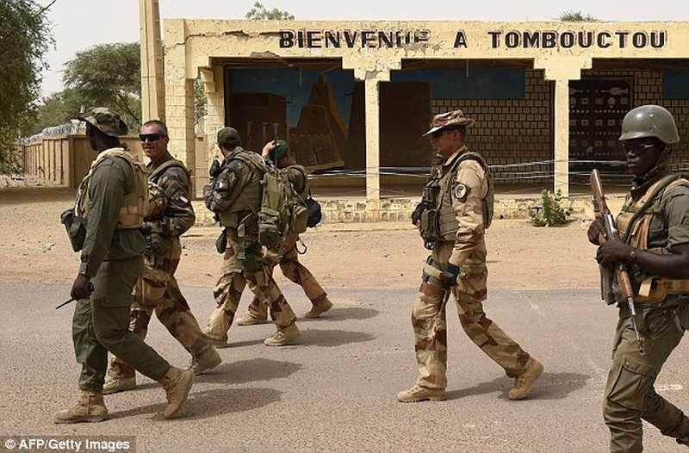 Khủng bố khách sạn Mali: Chi nhánh al-Qaeda nhận trách nhiệm - ảnh 7