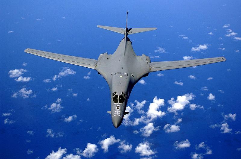 Mỹ sẽ điều máy bay ném bom chiến lược đến Úc - ảnh 1