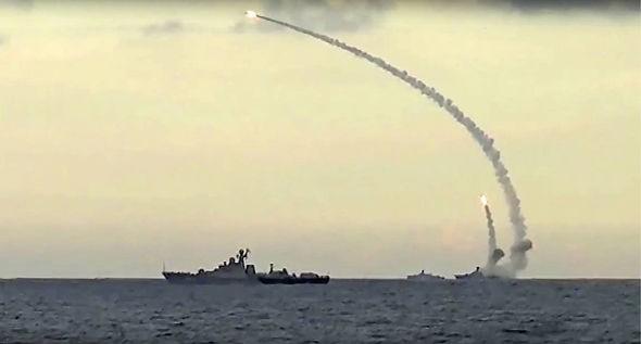 Nga dội tên lửa hành trình lên đầu IS, tiêu diệt hơn 600 tên - ảnh 1