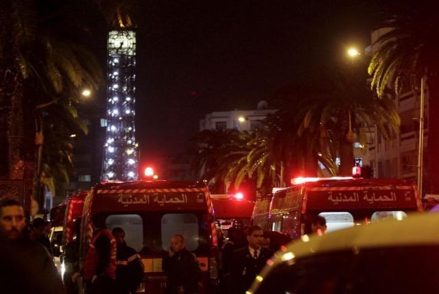 Xe vệ sĩ tổng thống Tunisia bị đánh bom, 12 người chết - ảnh 1