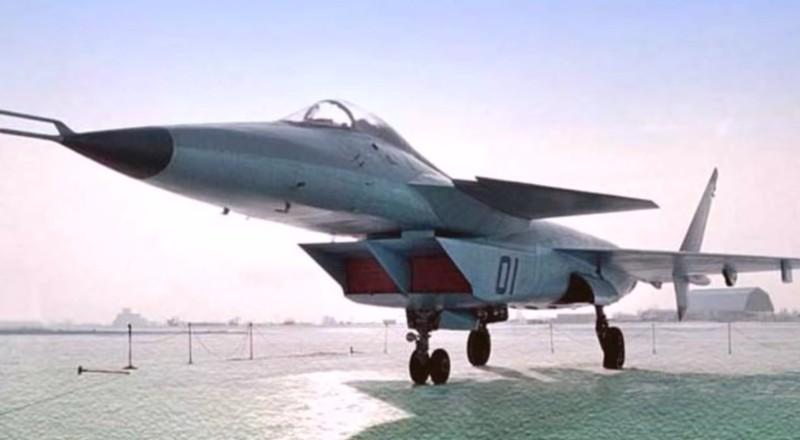Tiêm kích bị 'lãng quên' của Nga hồi sinh thành máy bay Trung Quốc - ảnh 1