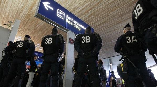 Pháp 'thẳng tay' đóng cửa ba nhà thờ Hồi giáo tuyên truyền cực đoan - ảnh 2