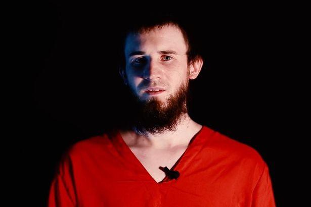 IS tung video hành quyết chặt đầu 'gián điệp Nga' - ảnh 2