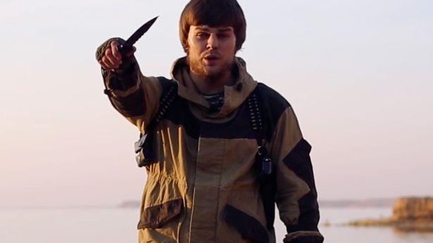 IS tung video hành quyết chặt đầu 'gián điệp Nga' - ảnh 1
