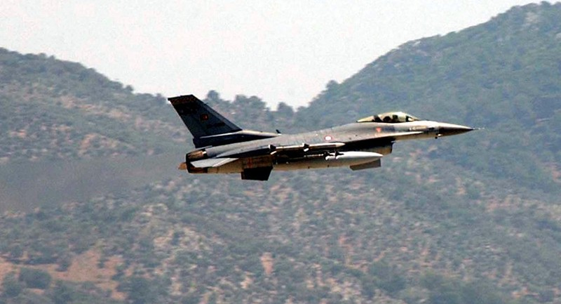 F-16 Hy Lạp đặt chiến đấu cơ Thổ Nhĩ Kỳ vào tầm ngắm - ảnh 1