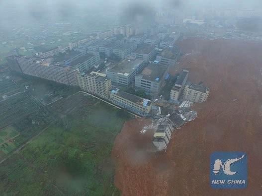 Lở đất kinh hoàng tại Thâm Quyến nuốt chửng 22 tòa nhà - ảnh 1