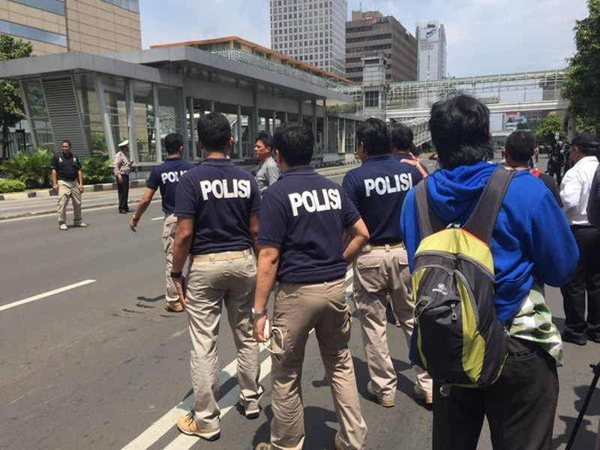 Cuộc tấn công khủng bố tại Indonesia đã kết thúc - ảnh 9