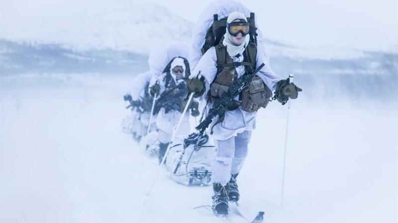 Na Uy huấn luyện đội đặc nhiệm 'toàn nữ' đầu tiên trên thế giới - ảnh 2