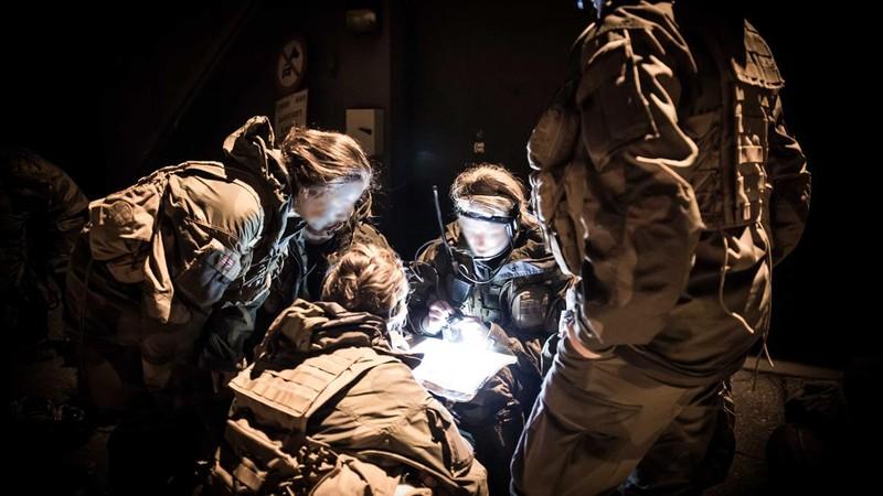 Na Uy huấn luyện đội đặc nhiệm 'toàn nữ' đầu tiên trên thế giới - ảnh 3