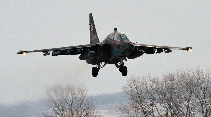 Máy bay Su-25 của Nga rơi, phi công tử nạn - ảnh 1