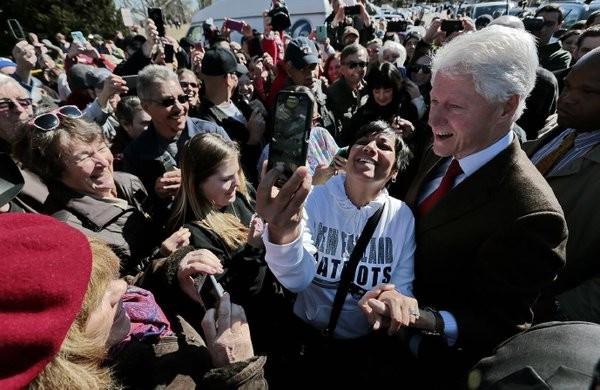 Hơn 68.000 người đòi bắt giam ông Bill Clinton - ảnh 2
