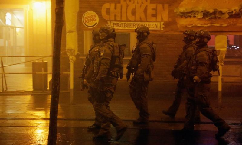 Đức giữ bác sĩ tuyển mộ đánh bom cho IS - ảnh 2