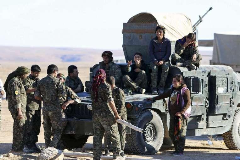Mỹ bất ngờ xây sân bay quân sự tại Syria - ảnh 3