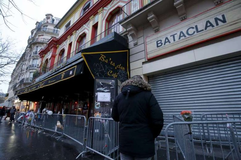 Pháp bắt hai thiếu nữ định tấn công khủng bố Paris - ảnh 1