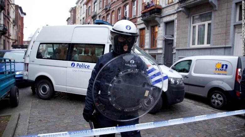 Bỉ mở chiến dịch truy lùng thêm nghi phạm khủng bố Paris - ảnh 3