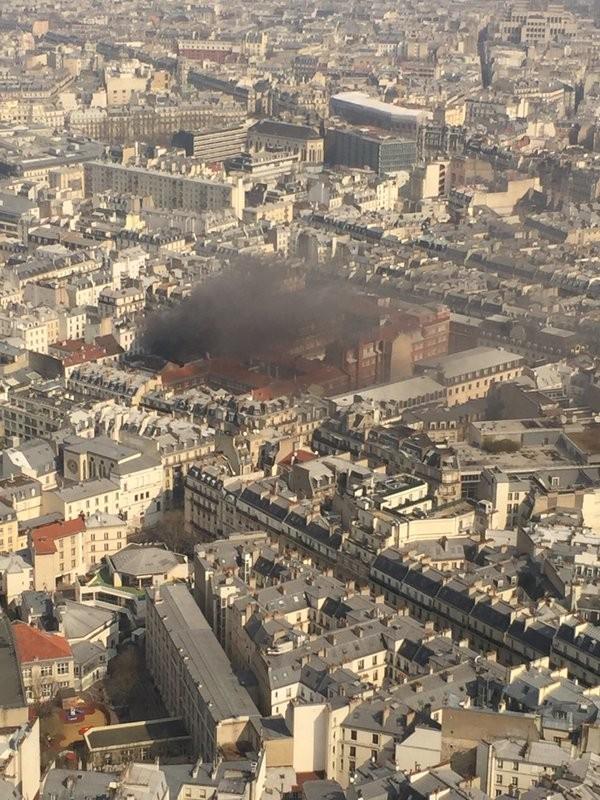 Nổ gas dữ dội tại Paris: 17 người bị thương - ảnh 4