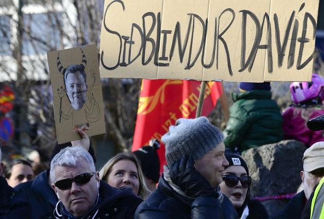 Hàng nghìn người Iceland kêu gọi thủ tướng từ chức - ảnh 2