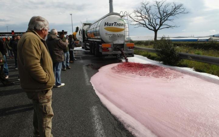 Rượu vang Tây Ban Nha bị các nhà sản xuất rượu Pháp tấn công - ảnh 1