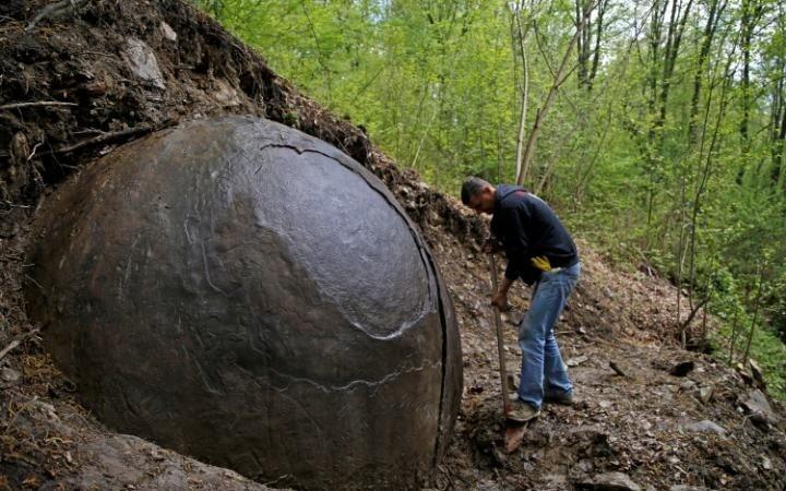 Phát hiện quả cầu sắt khổng lồ của nền văn minh thất lạc? - ảnh 1