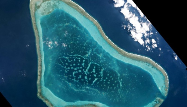 Trung Quốc sẽ xây thêm đảo nhân tạo, đường băng trái phép ở biển Đông - ảnh 1