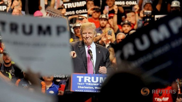 Cử tri Mỹ sẽ chọn ông Trump để ngăn bà Clinton? - ảnh 2