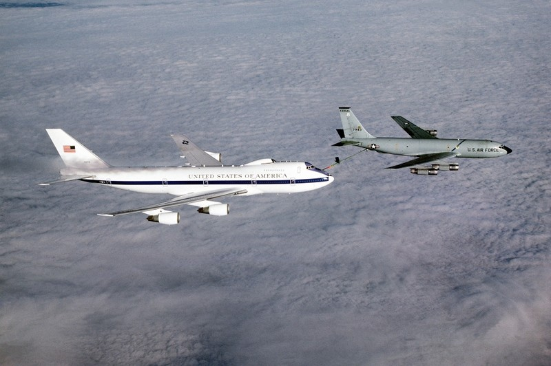 Khả năng 'bay không ngừng nghỉ' của chuyên cơ tổng thống Mỹ - ảnh 3