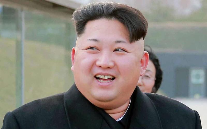 Ông Kim Jong-un ra lệnh dùng điện thoại Trung Quốc là phản quốc - ảnh 1