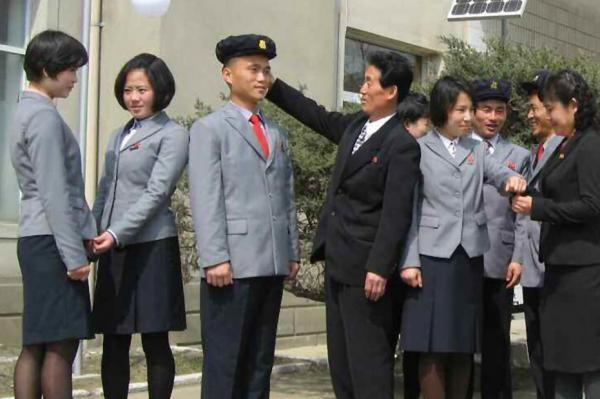 Triều Tiên cải cách giáo dục, đưa tiếng Anh vào môn bắt buộc - ảnh 1