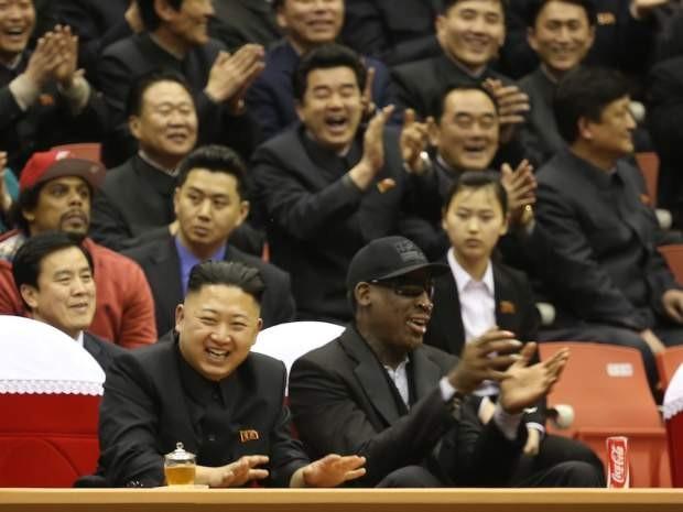 Ông Kim Jong-un xem đấu bóng rổ Triều Tiên - Trung Quốc - ảnh 1