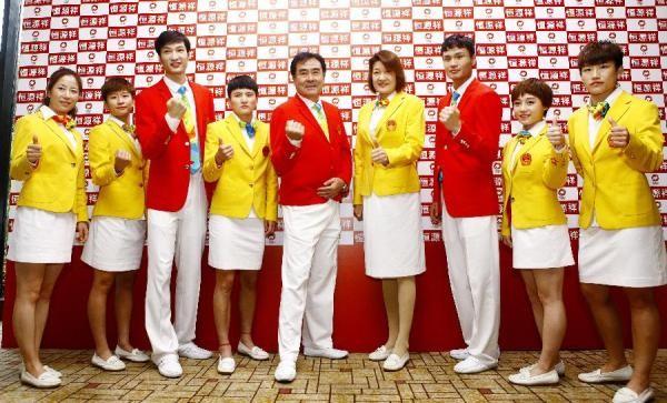 Dân mạng Trung Quốc dậy sóng vì đồng phục Olympic - ảnh 1
