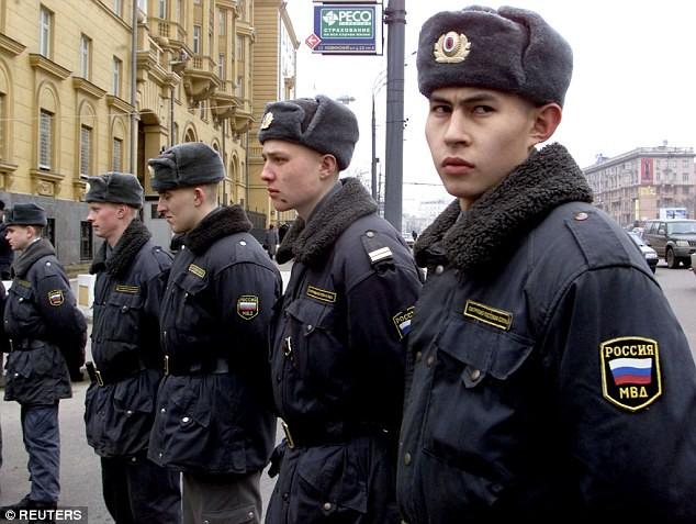 Cảnh sát Nga đánh nhân viên ngoại giao Mỹ