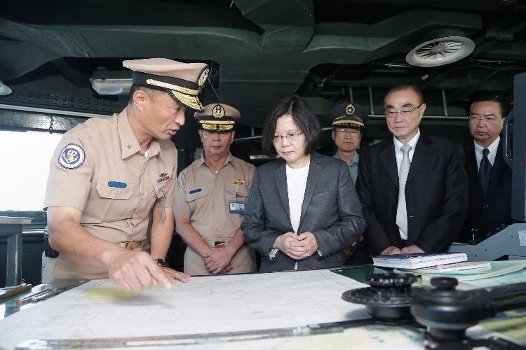 Đài Loan đưa tàu chiến ra Ba Bình
