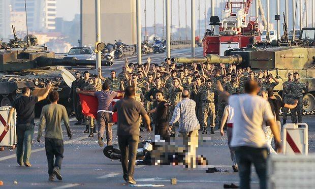 Quân đảo chính Thổ Nhĩ Kỳ đề nghị đàm phán, xin đầu hàng - ảnh 1