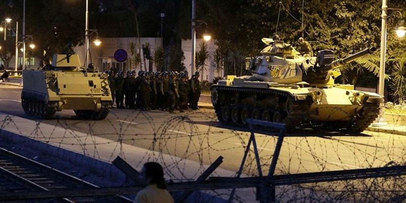 Ảnh: Toàn cảnh vụ đảo chính tại Thổ Nhĩ Kỳ - ảnh 3