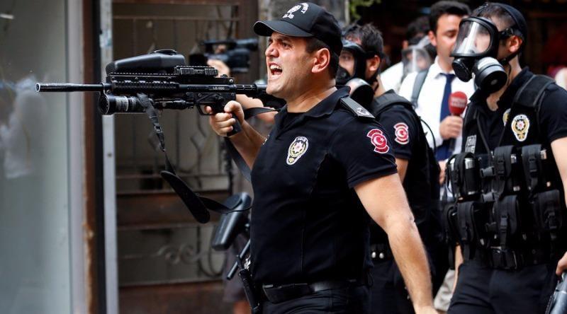 Gần 2.000 cảnh sát vũ trang được triển khai tại TP Istanbul.