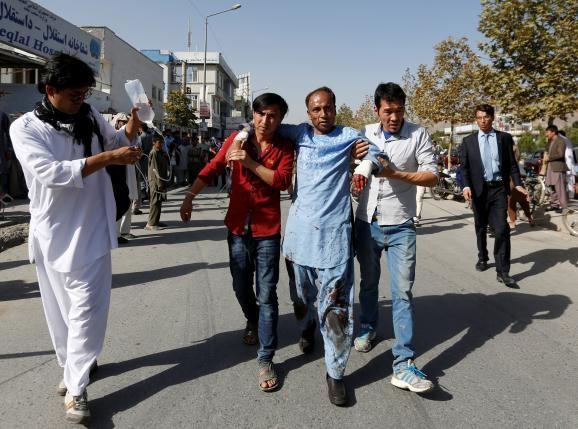 Đánh bom kép đẫm máu, hơn 80 người thiệt mạng - ảnh 1