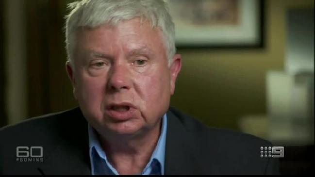 Chuyên gia Larry Vance tin rằng máy bay đã bị phi công lái thẳng xuống biển.