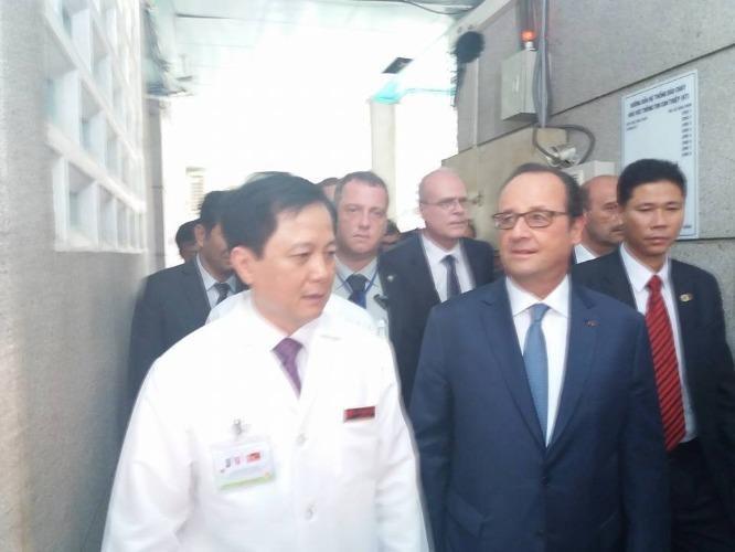 Tổng thống Pháp đến thăm Viện Tim TP.HCM - ảnh 1