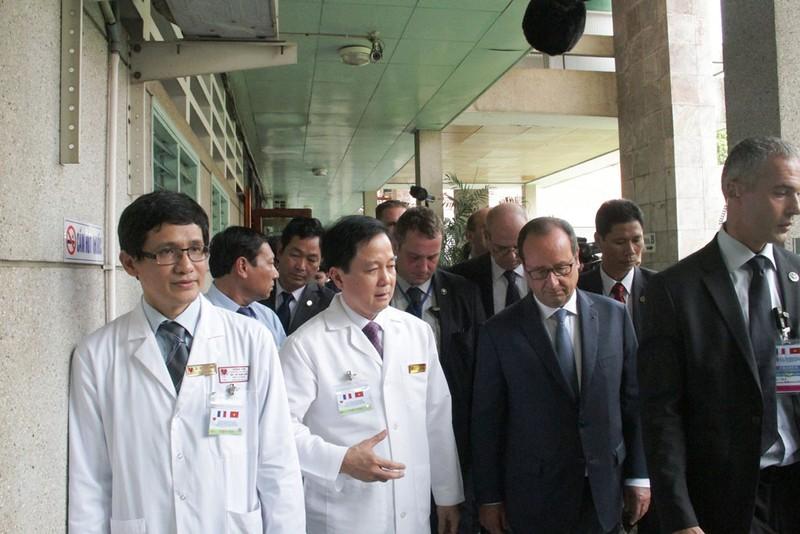 Tổng thống Pháp đến thăm Viện Tim TP.HCM - ảnh 6