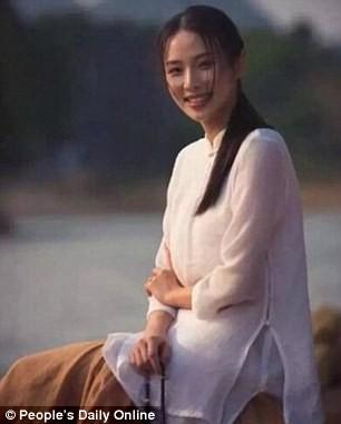 Nữ quân nhân xinh đẹp 'gây bão' Trung Quốc sau G20 - ảnh 2