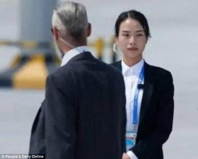 Nữ quân nhân xinh đẹp 'gây bão' Trung Quốc sau G20 - ảnh 3