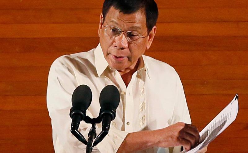 Ông Duterte cho lắp camera, đích thân giám sát tham nhũng