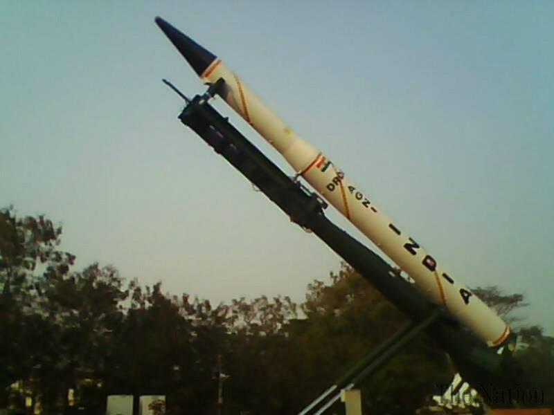 Tên lửa MRV Agni-V của Ấn Độ có khả năng mang theo nhiều đầu đạn hạt nhân với tầm bay trên 5000km. Ảnh. Wikicommons.