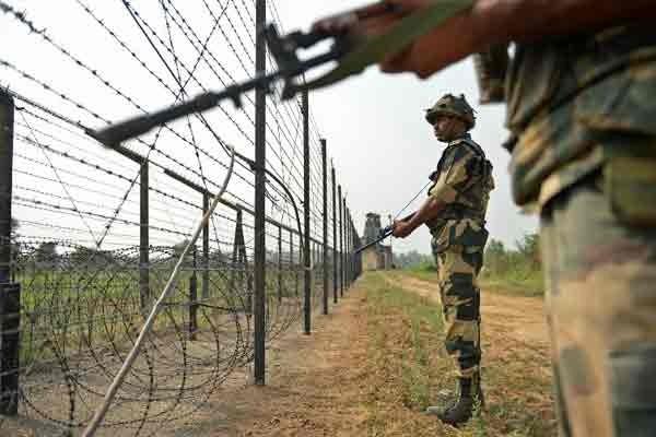 Doanh trại quân đội Ấn Độ ở Kashmir bị tấn công - ảnh 2