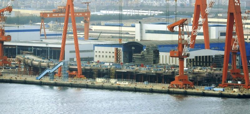 Lộ ảnh tàu sân bay tự đóng của Trung Quốc