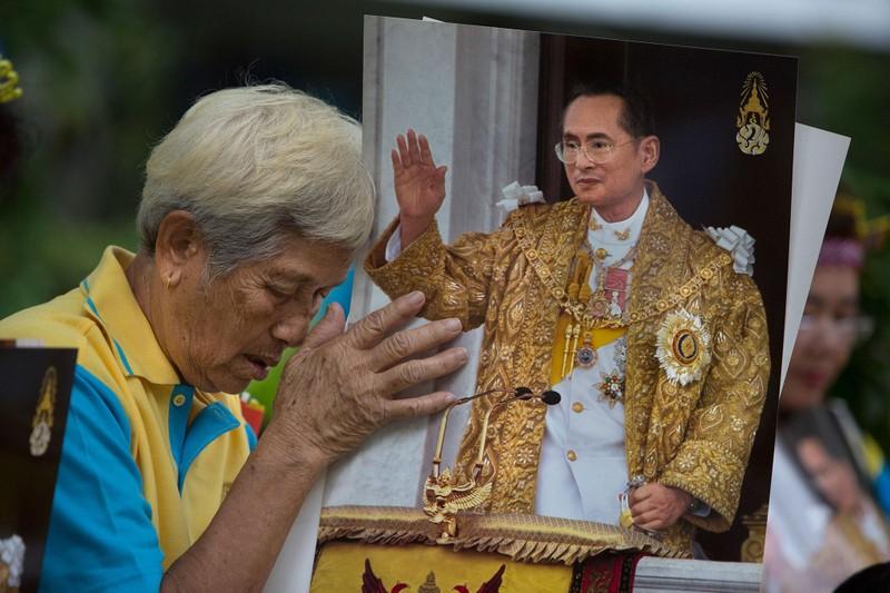 Quốc vương Thái Lan đã băng hà - ảnh 1